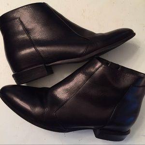 Nine West Sz 6.5 Black Leather Booties
